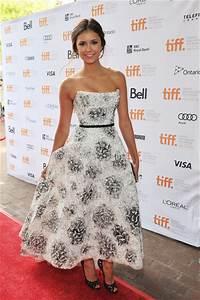 Nina Dobrev's Monique Lhuillier Ball Gown - The 52 Best ...