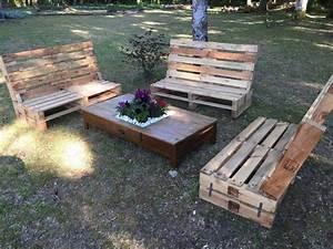 Outdoor wooden pallet furniture pallet ideas recycled for Wooden pallet patio furniture
