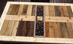 Ana White Modified Outdoor Pallet patio table - DIY Projects