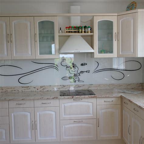 modele de cuisine castorama credence cuisine verre avec motif crédences cuisine