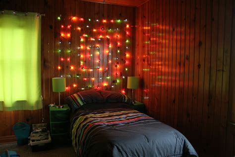 how to put christmas lights on your ways to put up christmas lights in your room mouthtoears com