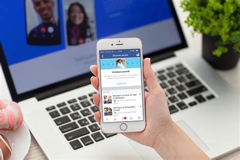 With its new tool, Facebook is pushing everyone to make new friends