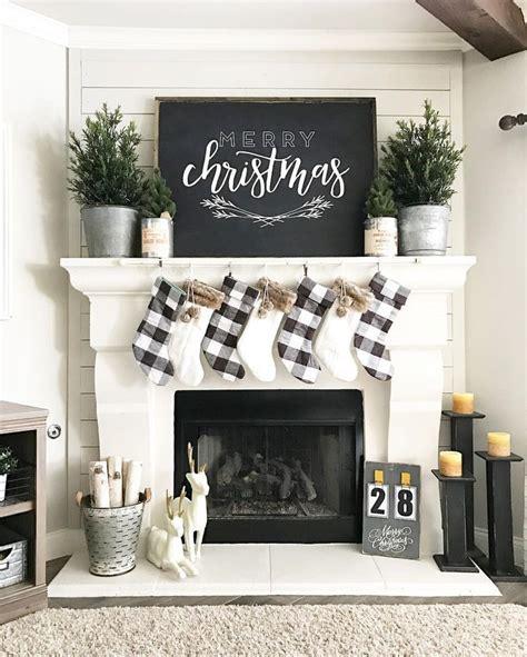 love  simple black  white christmas decor