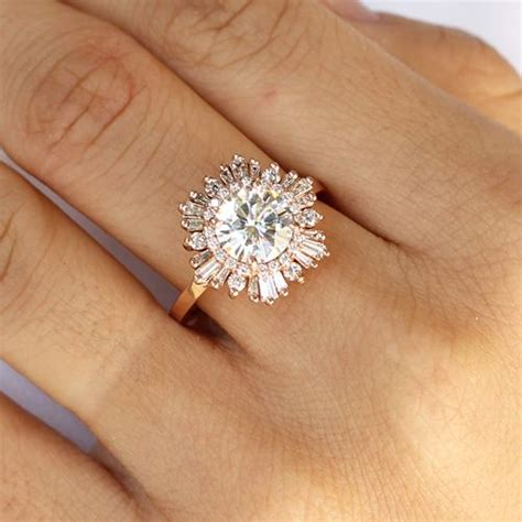 25 unique engagement rings for the alternative