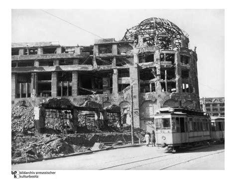 Haus Vaterland Ausgebrannt Nach Dem Kf Um Berlin 1945 Blieb Vom Haus