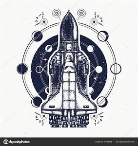 Uzay mekiği dövmesi art. Uzay araştırma sembolü — Stok ...
