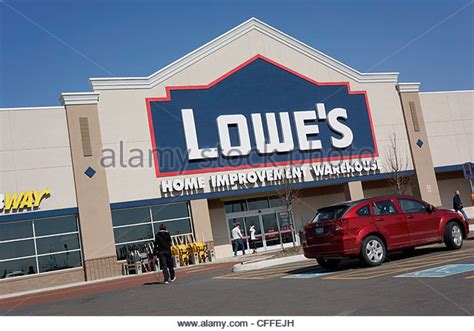 Lowes Store Stock Photos & Lowes Store Stock Images