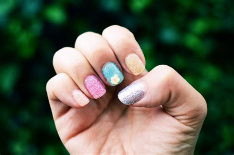 Diy Quickie Spring Glitter And 3d Nail Art Gel Mani