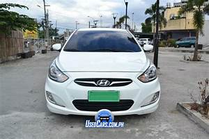 2013 Hyundai Accent White Manual Transmission For Sale