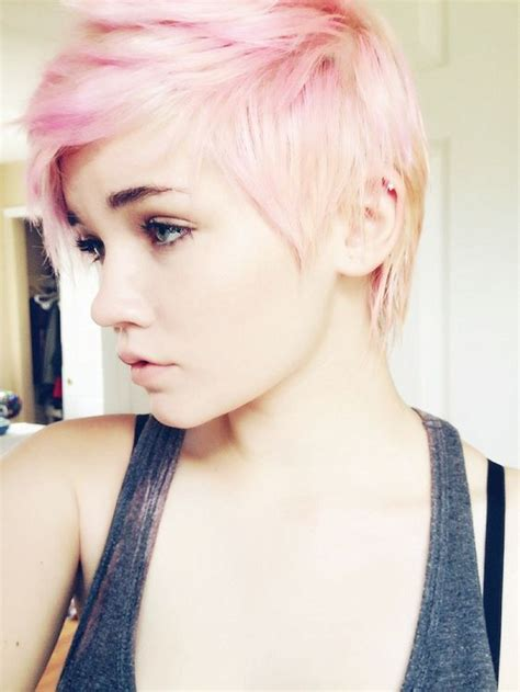 20 Chic Pixie Hairstyles for Short Hair - Pretty Designs