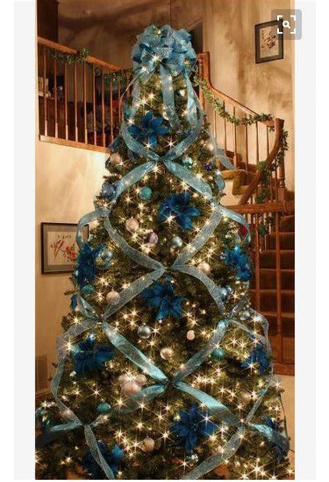 quirky christmas tree ideas      festive