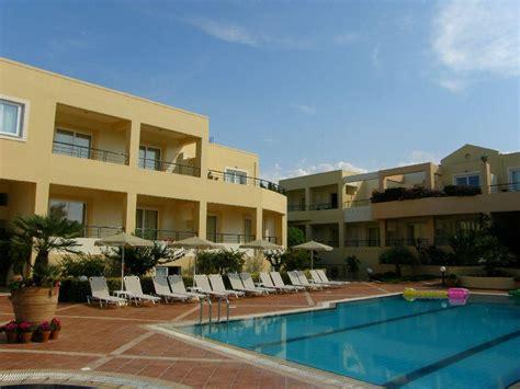 Helios Apartments, Chania, Crete, Greece. Book Helios