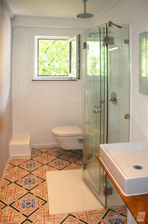 die faltbare dusche ist besonders platzsparend und dadurch