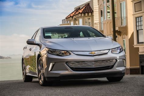 2017 Chevrolet Volt (chevy) Review, Ratings, Specs, Prices