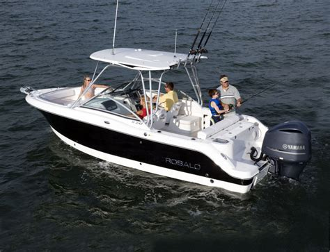 Robalo Boats R247 by Research 2009 Robalo Boats R247 On Iboats