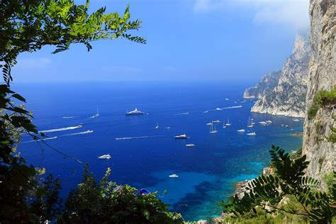 naples yacht charter  complete   guide