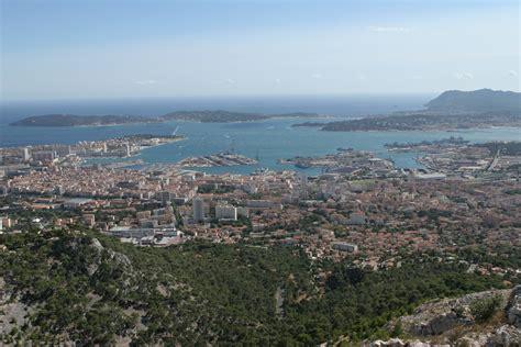 file rade de toulon vue du mont faron jpg wikimedia commons
