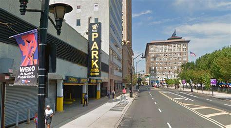 Parking Garages In Newark Nj by Newark Parking Find Book Parking In Newark Nj