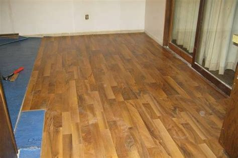 laying laminate wood flooring laying wood laminate flooring wood floors