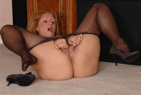 695054tif In Gallery Mature Pantyhose 3 Picture 4