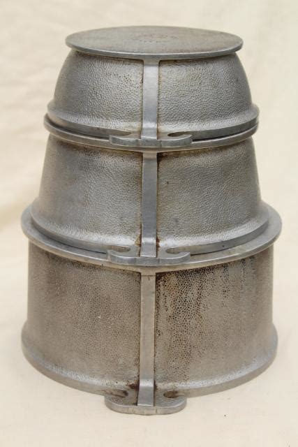 vintage guardian service ware aluminum cookware dutch oven pots  pans stack
