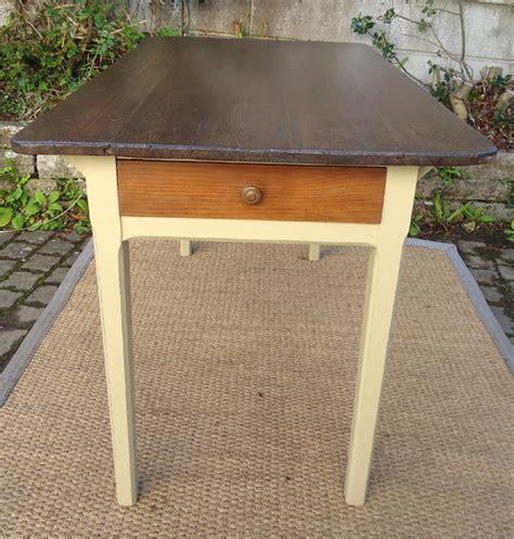 table de cuisine ancienne en bois table de cuisine ancienne bois peint et patiné avec tiroir