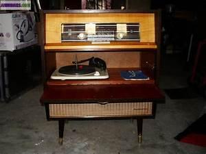Meuble Pour Tourne Disque : meuble radio tourne disques annee 60 ~ Teatrodelosmanantiales.com Idées de Décoration