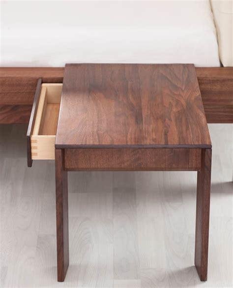comodini in legno massello comodino legno massello la casa econaturale