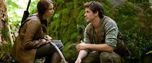 The Hunger Games Movie Review (2012) | Roger Ebert