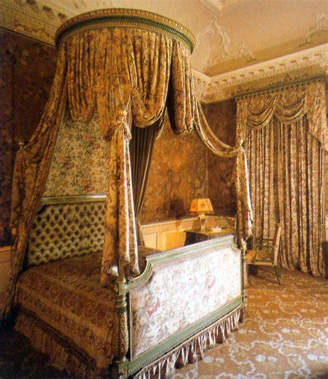 letti a baldacchino antichi archi tetti oggi voglio un letto a baldacchino