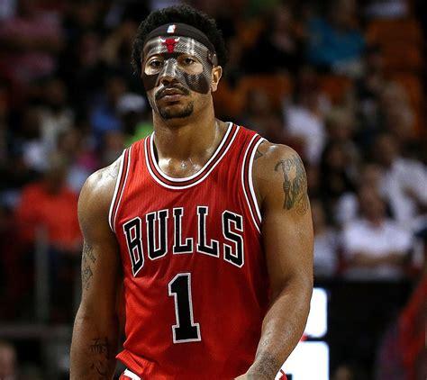 derrick rose breaks  silence debuts  mask