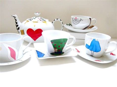Im Wunderland Tisch by Tea Set Inside Tisch Porzellan Und Getr 228 Nke