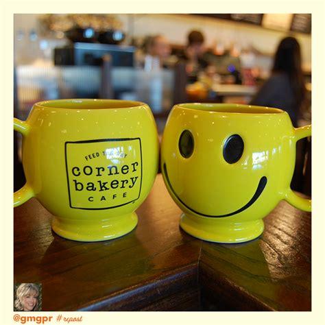corner bakery cafe  smiley mugs set