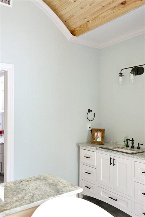 Bathroom Colors Sherwin Williams by Bathroom Paint Color Is Sea Salt Sherwin Williams