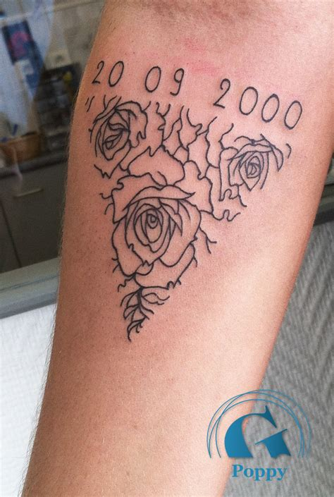 tatouage femme graphicaderme