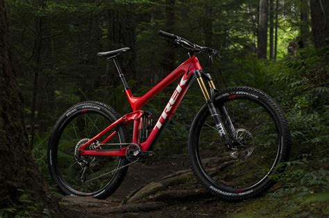 2017 Trek Slash Goes 29er Only, Rounds Out Their Enduro