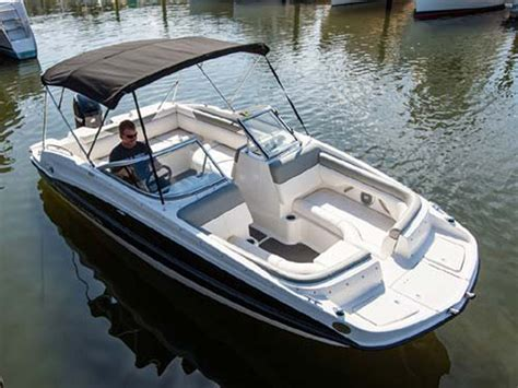 Bayliner 190 Deck Boat Top Speed by 2014 Bayliner 190 Deck Boat Picture 611380 Boat Review