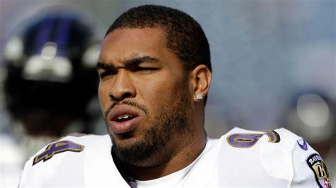 Ravens DL Carl Davis recovering from shoulder surgery ...