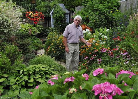 garden article is this britain s most immaculate garden pensioner spends 30 hours a week tending his lawn
