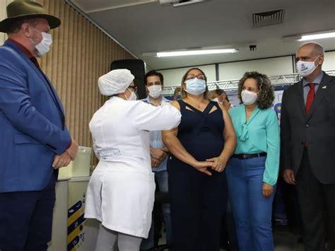As duas vacinas são importantes, por isso é indicado que se tome as duas. Governador Mauro Carlesse lança campanha de vacinação contra covid-19 no Tocantins - Notícias ...