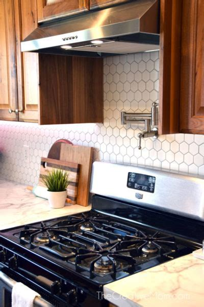 Kitchen renovation REVEAL  how to lay backsplash tile