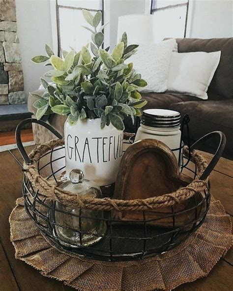 Here's a foolproof formula for arranging a coffee table. 17+ Beautiful Farmhouse Coffee Table Design For Living ...
