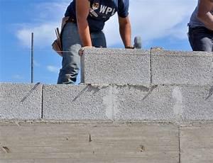 Faire Un Mur De Cloture : mur en parpaing avantages co t et les tapes pour le ~ Premium-room.com Idées de Décoration
