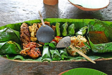You add the meal to the boiling water and then simmer or boil your meal thus increasing preparation and cleanup. 18 Enticing Indonesian Foods to Tickle Your Tastebuds ...