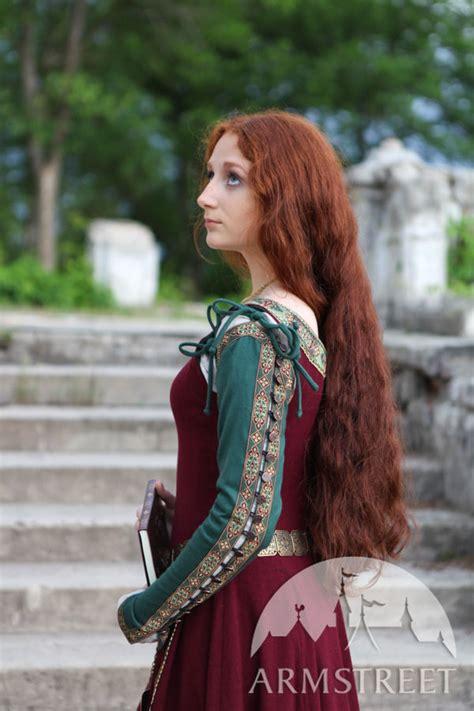 Недорогие платья   Дешевые платья в онлайн каталоге