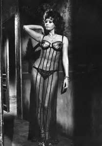 Old Hollywood Glamour Decor by Sophia Loren Endomorph Body Type Pinterest
