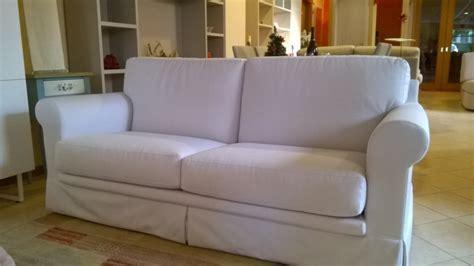 Divani A Due E Tre Posti In Tessuto Cotone Bianco