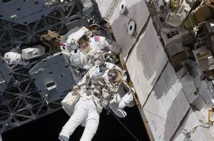 Spacesuit Leak Briefly Delays Spacewalk in Orbit | Space ...