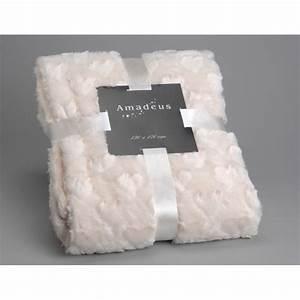 Plaid Tout Doux : plaid tout doux avec bouclette forme des fleurs blanc cass ~ Teatrodelosmanantiales.com Idées de Décoration