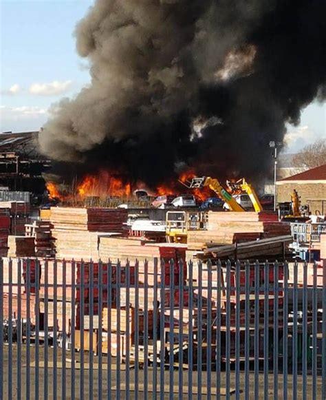 Scrap Yard Glasgow by Massive Fire At Car Scrapyard In Glasgow Tackled By 50